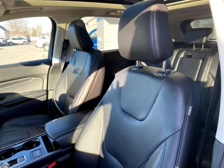 2020 Ford Edge - P19258 Image 10
