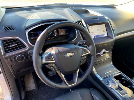 2020 Ford Edge - P19258 Image 12