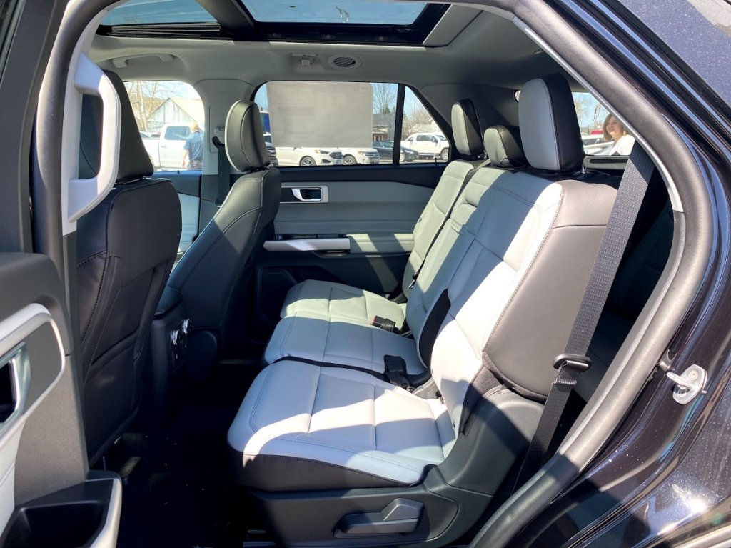 2021 Ford Explorer XLT - 19488 Mobile Image 21